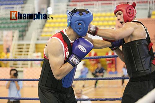 Rung sàn màn đấu võ Việt của hai ông Tây hạng 90kg - 2