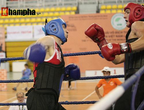 Rung sàn màn đấu võ Việt của hai ông Tây hạng 90kg - 3