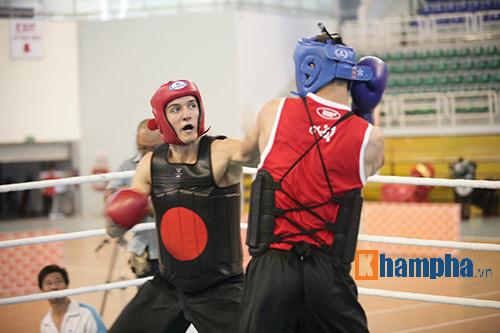 Rung sàn màn đấu võ Việt của hai ông Tây hạng 90kg - 7