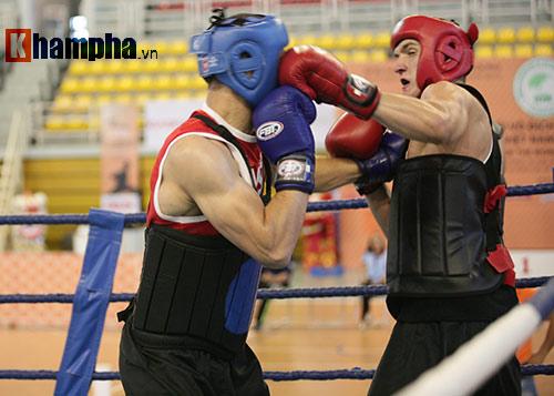 Rung sàn màn đấu võ Việt của hai ông Tây hạng 90kg - 8