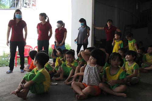 Nổ sát trường mầm non, 300 trẻ em nháo nhào - 3