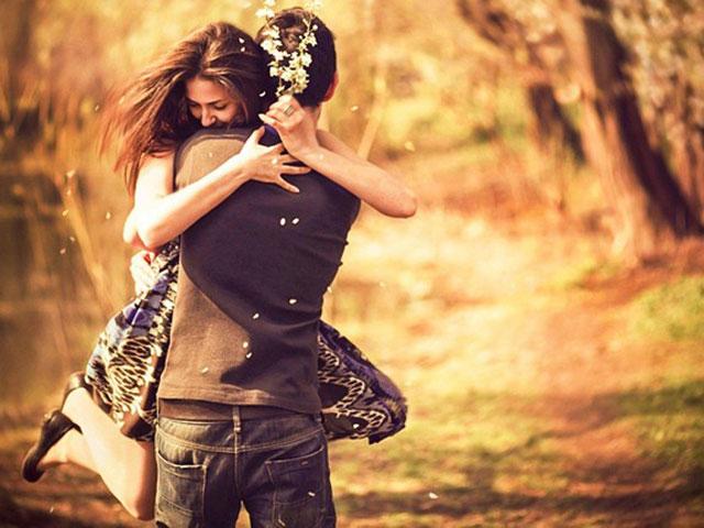 Bí mật về những cái ôm khiến bạn bất ngờ - 1