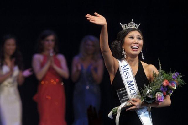 Hoa hậu Michigan gây sốc vì... quá xấu - 3