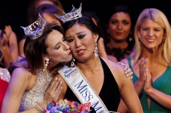 Hoa hậu Michigan gây sốc vì... quá xấu - 7