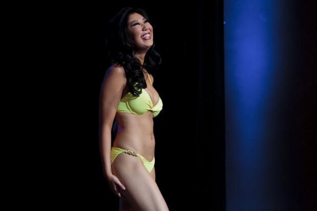 Hoa hậu Michigan gây sốc vì... quá xấu - 11