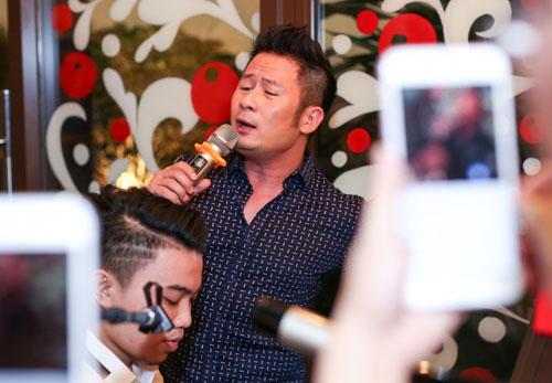 Bằng Kiều hài hước hát hit Sơn Tùng, Hari Won - 2