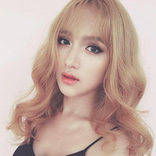 """Không tin nổi cô gái """"tóc vàng hoe"""" này là Hương Giang Idol - 1"""