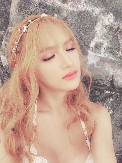"""Không tin nổi cô gái """"tóc vàng hoe"""" này là Hương Giang Idol - 6"""