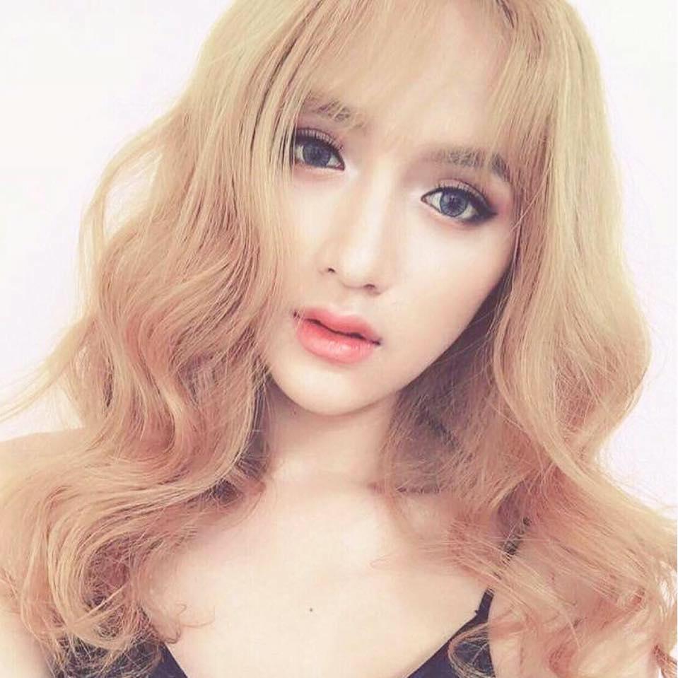 """Không tin nổi cô gái """"tóc vàng hoe"""" này là Hương Giang Idol - 7"""