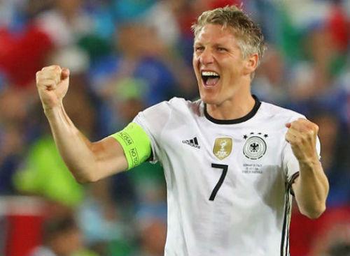 Tin HOT tối 29/7: Schweinsteiger chia tay ĐT Đức - 1