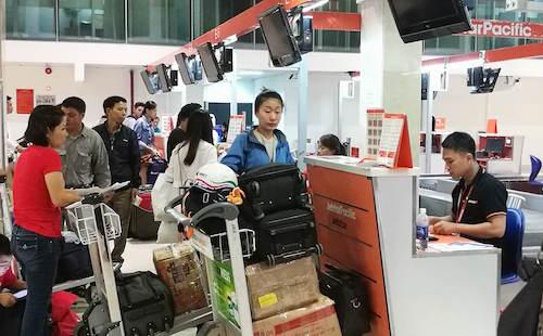 Sân bay Tân Sơn Nhất hoạt động sau sự cố - 1