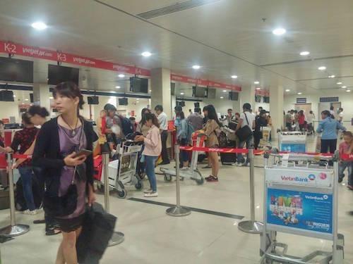 Sân bay Tân Sơn Nhất hoạt động sau sự cố - 2