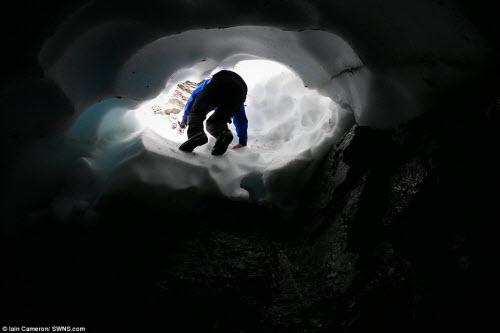 Khám phá đường hầm tuyết trên núi cao nhất Scotland - 3