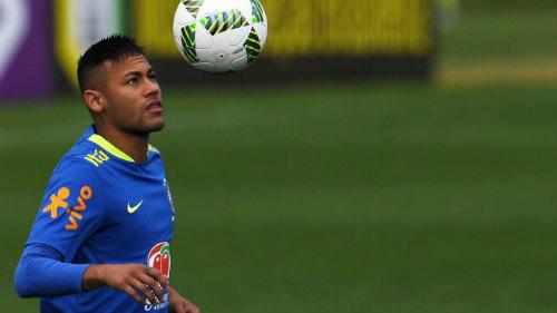 Sao 360 độ: Lẻn vào khách sạn, fan cuồng Neymar bị bắt - 1