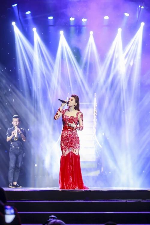 """Hà Hồ hát hit của Hari Won, """"tỏ tình"""" với Phạm Hương, Lan Khuê - 2"""