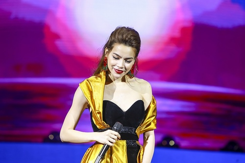 """Hà Hồ hát hit của Hari Won, """"tỏ tình"""" với Phạm Hương, Lan Khuê - 10"""