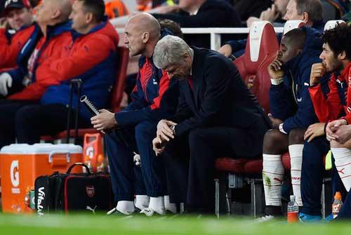 Arsenal: Không khiên, không mác, lấy gì tranh hùng - 2