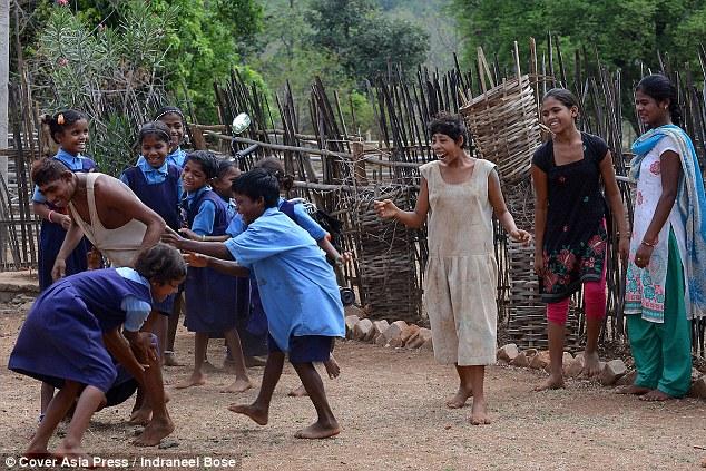 Chàng trai Ấn Độ thích sống như khỉ trong rừng - 3