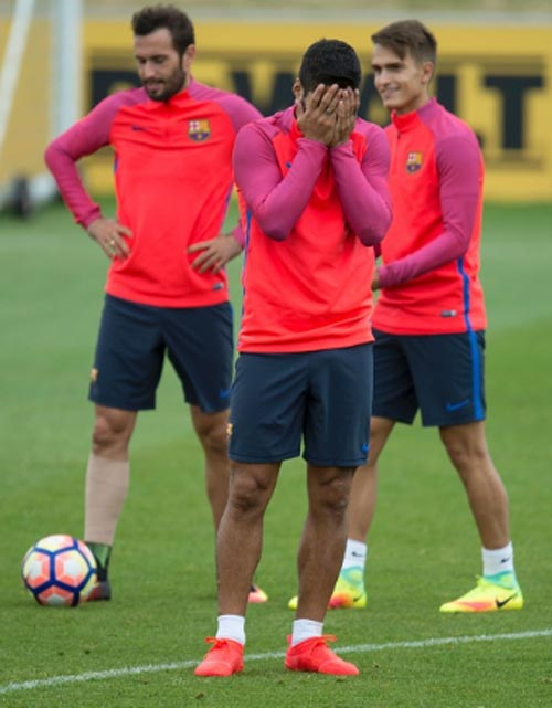 """Chuẩn bị mùa giải, Barca tập luyện """"dị"""" - 4"""