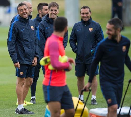"""Chuẩn bị mùa giải, Barca tập luyện """"dị"""" - 5"""
