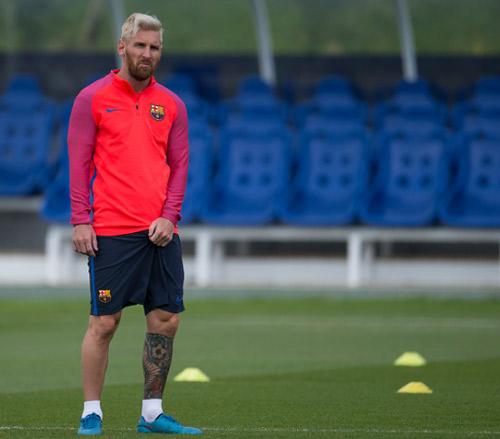 """Chuẩn bị mùa giải, Barca tập luyện """"dị"""" - 6"""