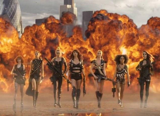 """Taylor Swift đã """"gây thù chuốc oán"""" với những ai? - 3"""