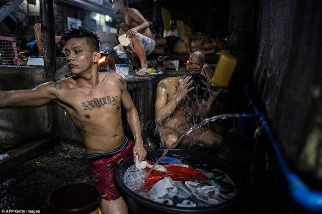 Hình ảnh sốc trong nhà tù khét tiếng nhất Philippines - 2
