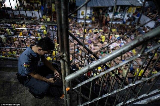Hình ảnh sốc trong nhà tù khét tiếng nhất Philippines - 7