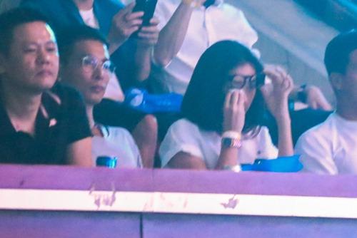 Ngô Thanh Vân khóc cùng hàng ngàn fan của nhóm 365 - 2
