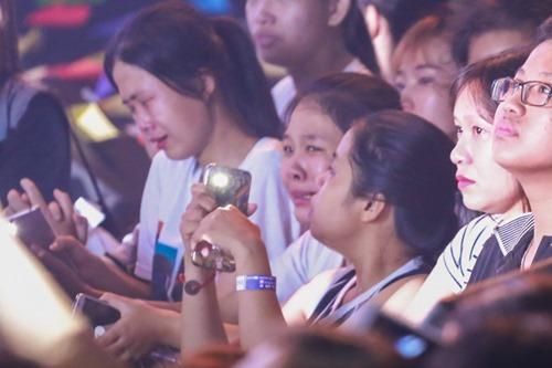 Ngô Thanh Vân khóc cùng hàng ngàn fan của nhóm 365 - 14