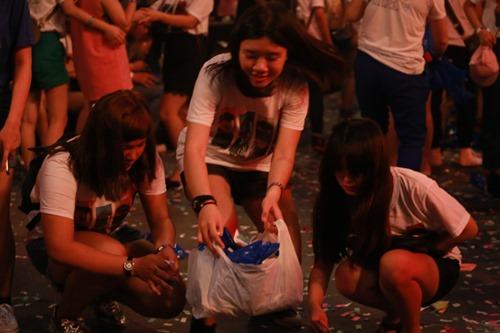 Ngô Thanh Vân khóc cùng hàng ngàn fan của nhóm 365 - 15