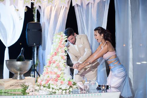 Hà Anh cực nóng bỏng trong dạ tiệc sau lễ cưới - 4
