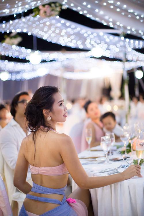Hà Anh cực nóng bỏng trong dạ tiệc sau lễ cưới - 3