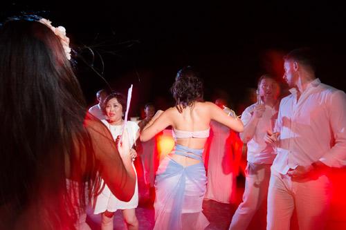 Hà Anh cực nóng bỏng trong dạ tiệc sau lễ cưới - 8