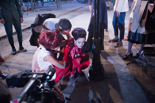 "Fung La lại ""diễn sâu"" để hút fan tại Vietnam's Next Top? - 2"