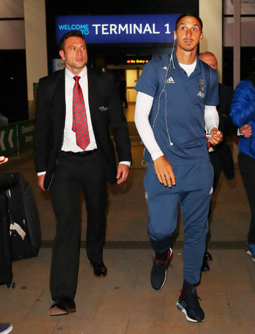 "Mourinho thanh lọc MU: Lộ diện hai sao bị ""trảm"" - 2"