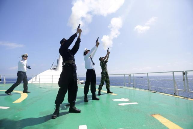 """Quân đội TQ dọa làm """"hộc máu mũi"""" đối thủ ở Biển Đông - 1"""