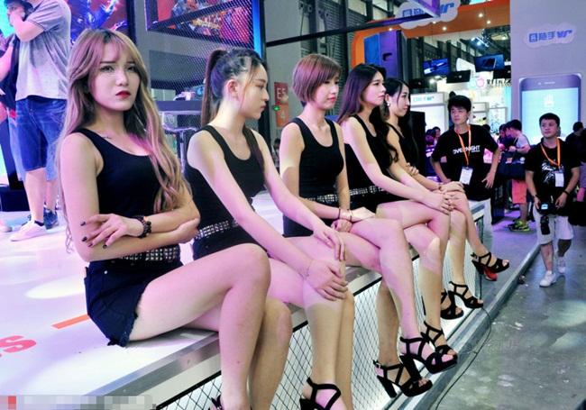 Năm nay là năm & nbsp;lần thứ 14 China Joy tổ chức, triển lãm diễn ra tại Thượng Hải quy tụ dàn hot girl & nbsp;chân dài xinh như mộng.