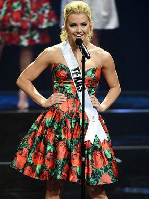 """Thiếu nữ đẹp nhất nước Mỹ bị la ó vì ngôn từ """"bẩn"""" - 2"""