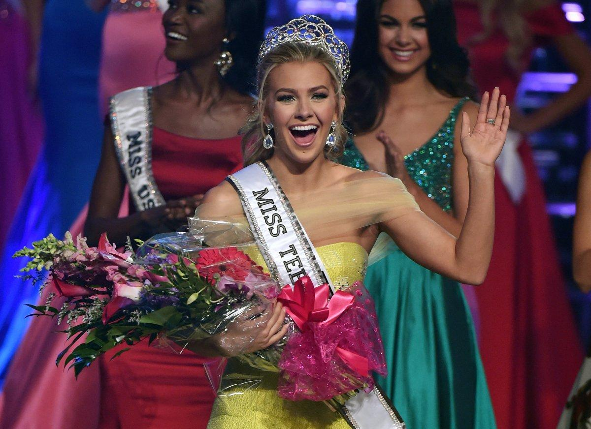 """Thiếu nữ đẹp nhất nước Mỹ bị la ó vì ngôn từ """"bẩn"""" - 1"""