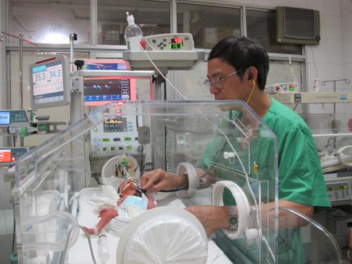 Thông tin mới nhất về sức khỏe con trai thiếu úy Huyền Trâm - 1