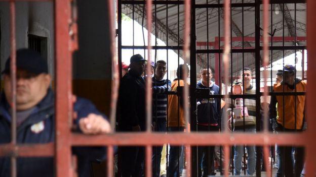 Bất ngờ phòng giam sang chảnh của trùm ma túy Brazil - 8