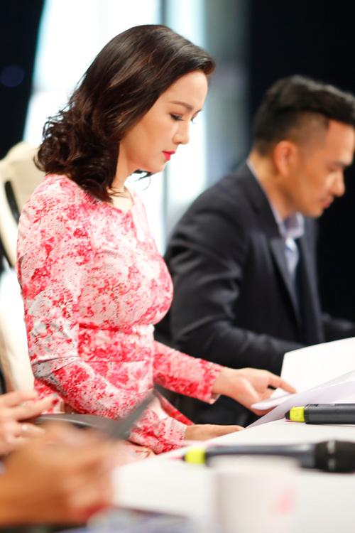 Thí sinh học giỏi nhất Hoa hậu VN bối rối vì tiếng Ê đê - 8
