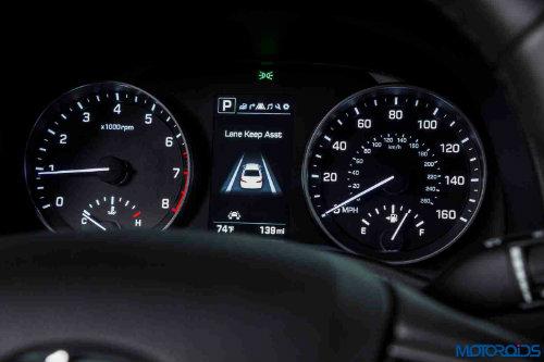Những điều cần biết trước khi chọn Hyundai Elantra 2017 - 3