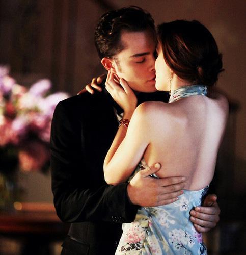 """Làm thế nào để nàng """"chết lịm"""" trong nụ hôn? - 1"""