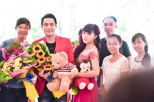 Khánh Phương khiến fan 'đứng tim' vì thân mật cùng hotgirl - 3