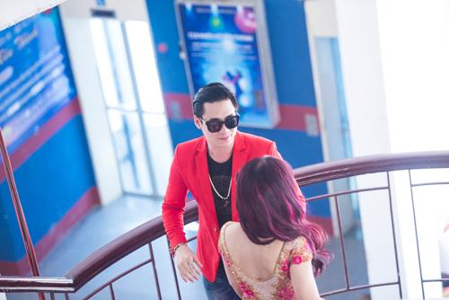 Khánh Phương khiến fan 'đứng tim' vì thân mật cùng hotgirl - 6