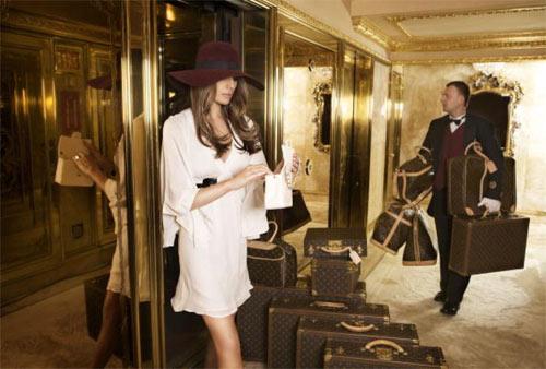 """Vợ tỉ phú Donald Trump gây """"sốt"""" nhờ mặc đẹp - 7"""