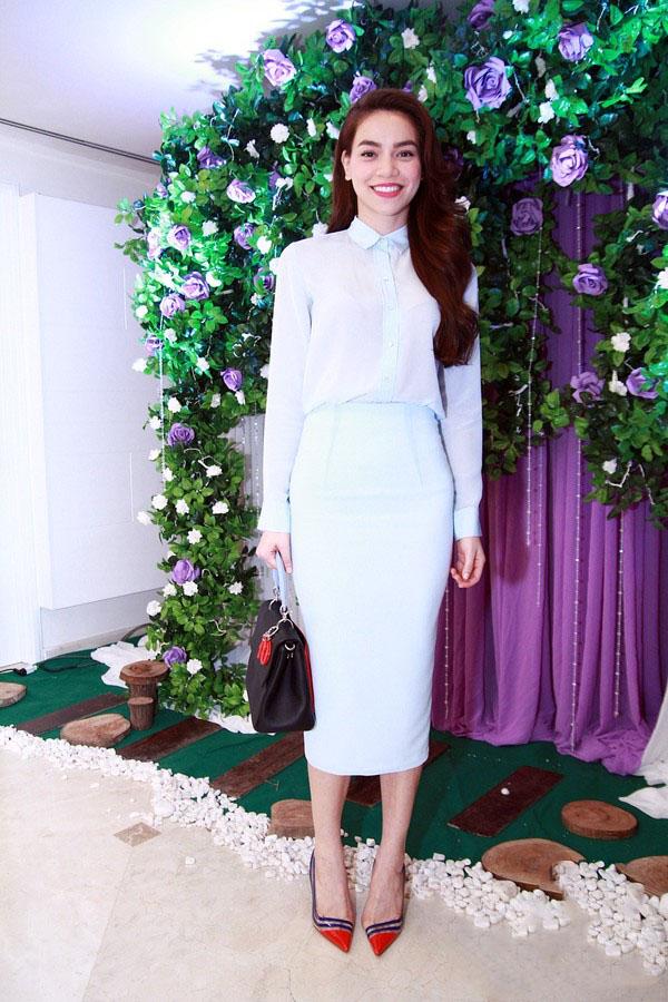 Hồ Ngọc Hà mải miết mặc đẹp với 1001 kiểu chân váy - 4