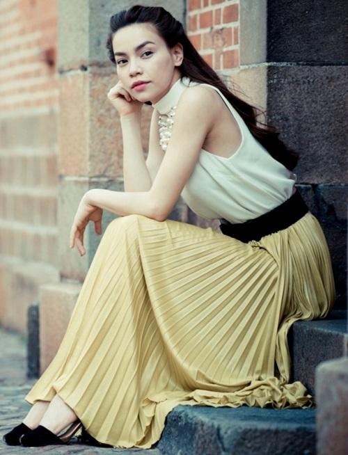 Hồ Ngọc Hà mải miết mặc đẹp với 1001 kiểu chân váy - 10